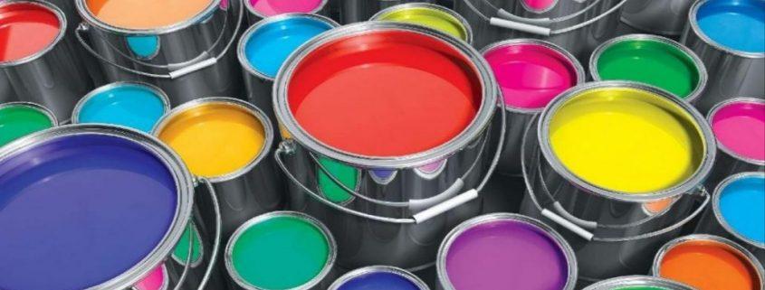 Beschichtung Bedeutung offene Farbeimer aus Metall
