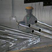 Feuerverzinken ist eine mögliche Oberflächenbehandlung zum Korrosionsschutz