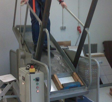 Test der Rutschsicherheit auf schiefer Ebene nach DIN 51130 Antirutsch Beschichtung