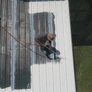 Dachbeschichtung in Sprühverarbeitung auf Metalldach