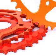 Pulverbeschichtete Zahnräder aus Stahl sind in vielen Farben machbar