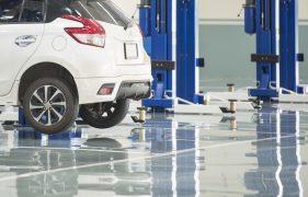 Betonbeschichtung in Autowerkstatt